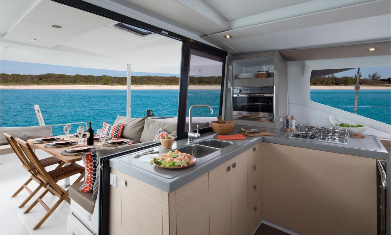 catamaran Lucia